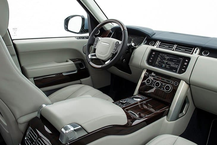 Range Rover Vogue Autobiography Car on Rent in Dubai