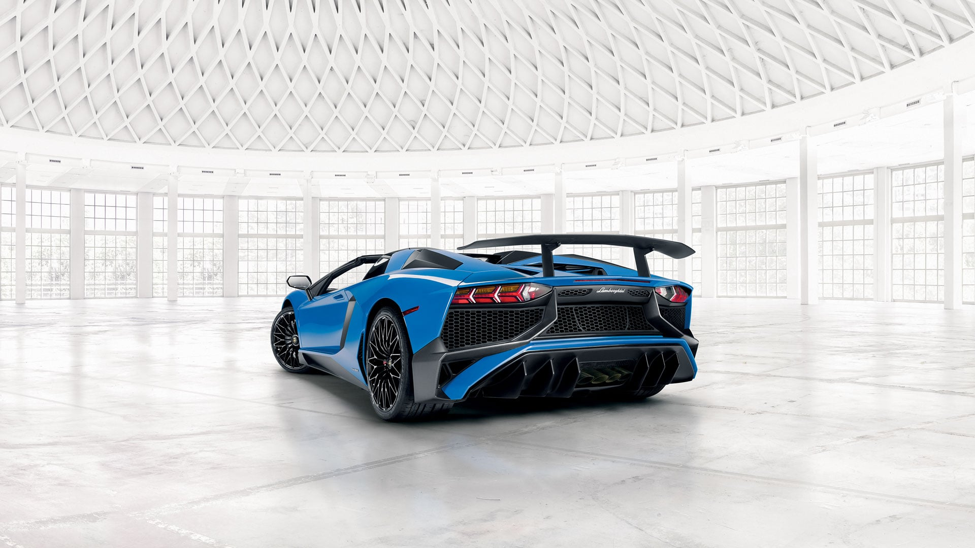 Lamborghini Aventador SV Roadster Rear View