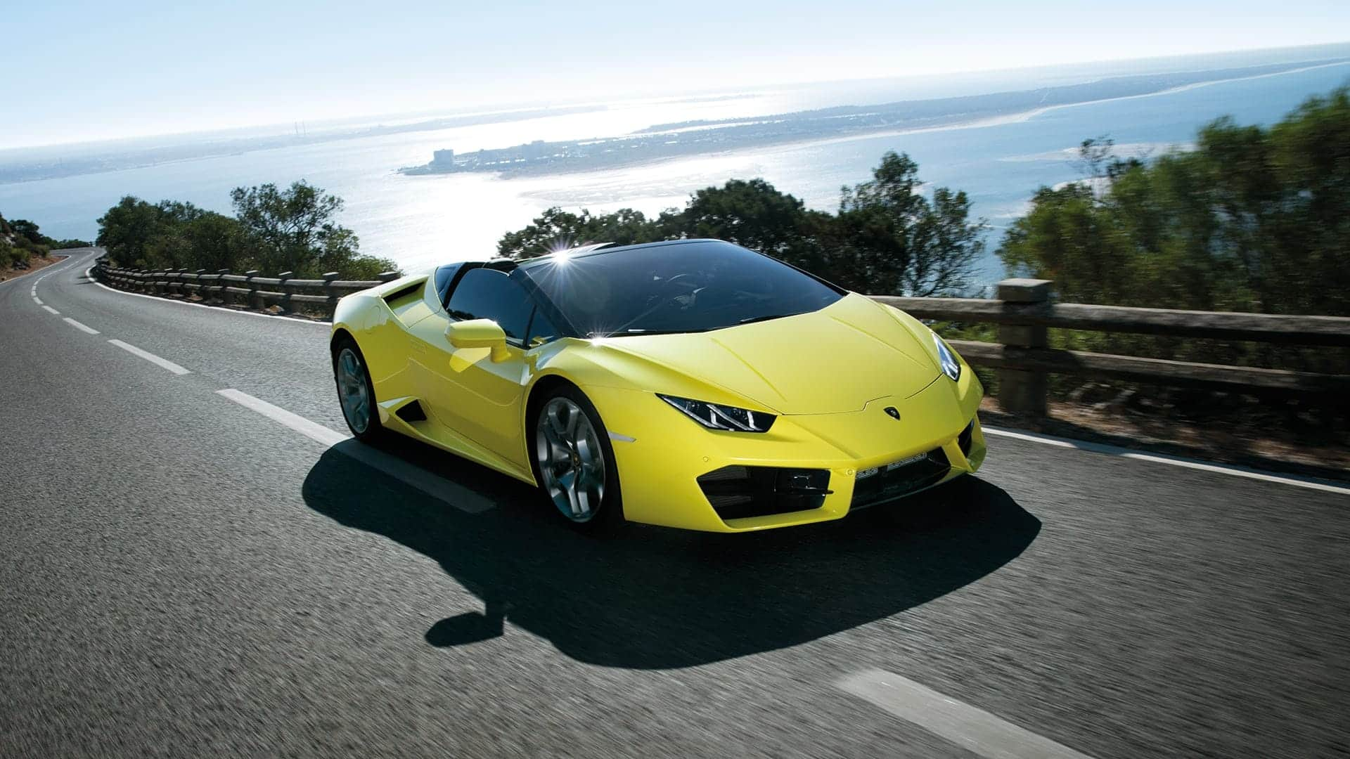 Lamborghini Huracan Spyder Car on Rent in Dubai